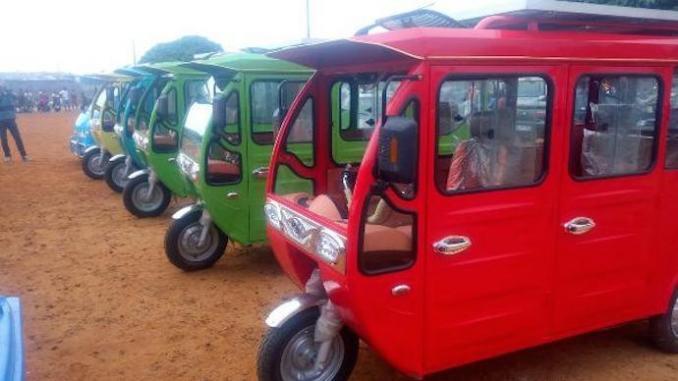 Taxis Côte D'ivoire : Des Voitures Solaires