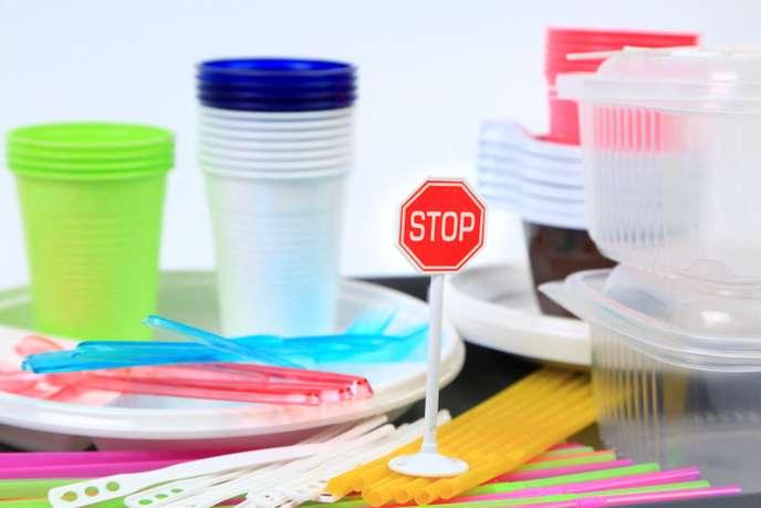 interdit les plastiques à usage unique