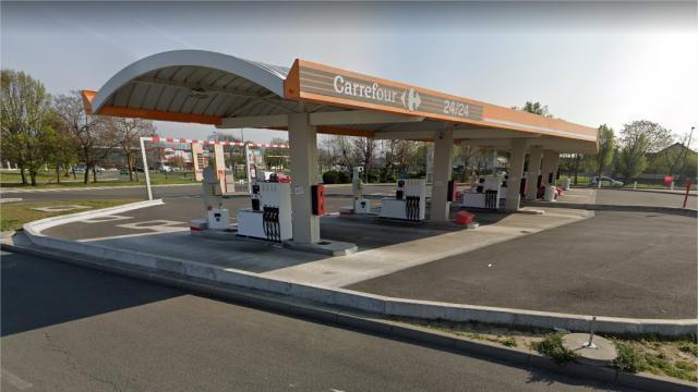 L'essence est gratuite…En effet, pas besoin d'utiliser sa carte bancaire ce soir-là.