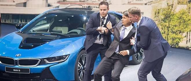 Personne ne veut de l'électrique : Quand Le PATRON De BMW FUSTIGE